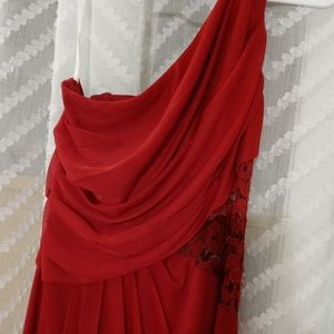 DB Bridesmaid Dress! Size 8 Red with lace and slit